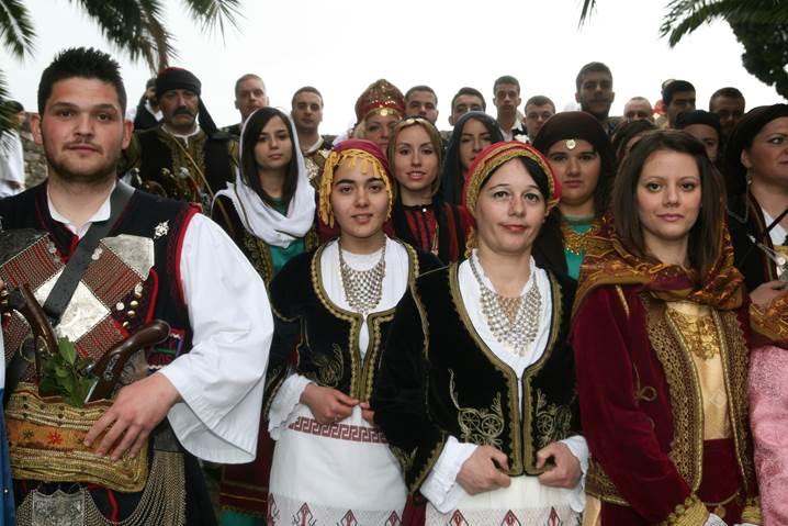 exodos-Kyriaki_clip_image348.jpg