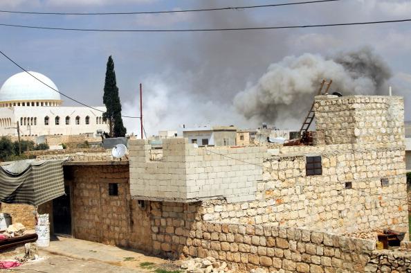 Anadolu_26032014_barrel bomb attack in aleppo 04