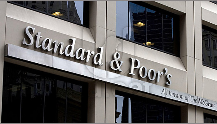 Standard & Poor's: Υποβάθμιση της Ελλάδας και εφιαλτικά σενάρια για Grexit και καταθέσεις