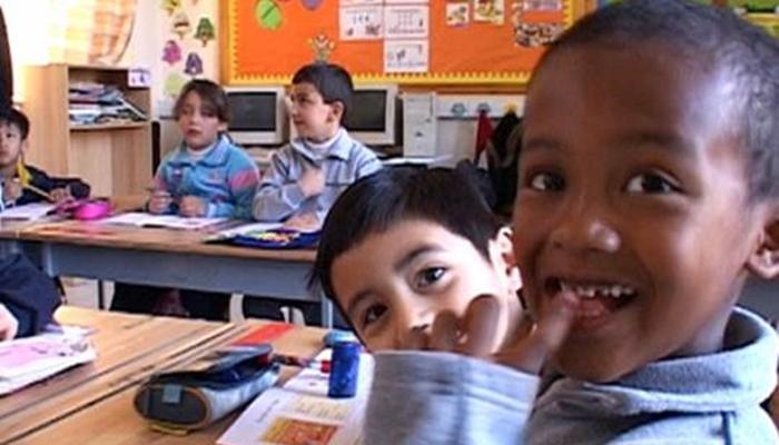Πρώτο ενδοκυβερνητικό crash test η χορήγηση ιθαγένειας στα παιδιά μεταναστών