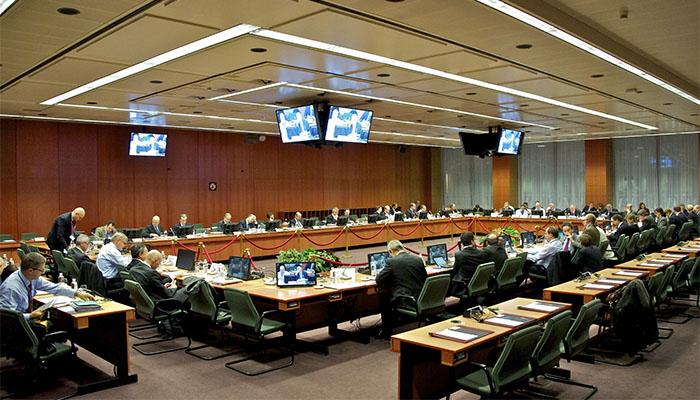 Θολό τοπίο στο Eurogroup, ζόρι με τα λεφτά στο Δημόσιο