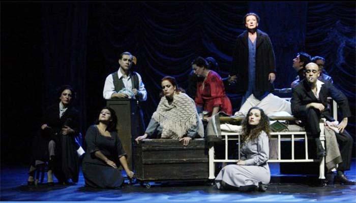 Το Τρίτο Στεφάνι του Κώστα Ταχτσή, για πέντε μόνο παραστάσεις, στο Δημοτικό Θέατρο Πειραιά