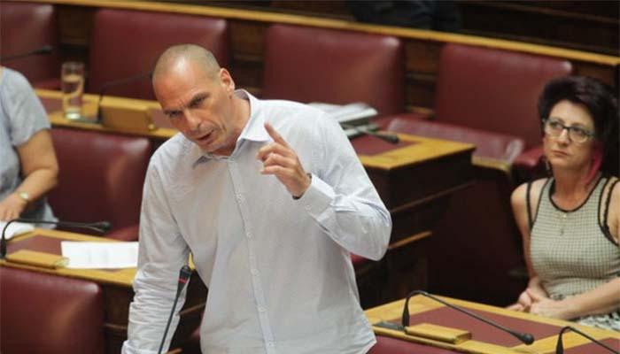 Βαρουφάκης: Ο Τσίπρας το βράδυ του δημοψηφίσματος αποφάσισε για μνημόνιο