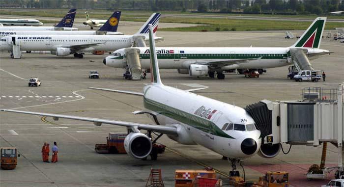 «Μπλόκο» σε ελληνικά τουριστικά γραφεία από 35 αεροπορικές εταιρείες
