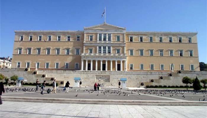 Σφαγή στο τον ΣΥΡΙΖΑ και τα ξημερώματα η ψηφοφορία για το 3ο Μνημόνιο