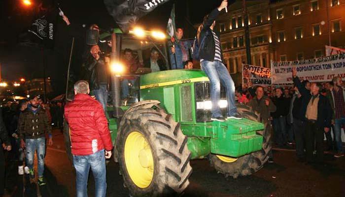 Μεγάλο συλλαλητήριο από χιλιάδες αγρότες και τρακτέρ στο Σύνταγμα