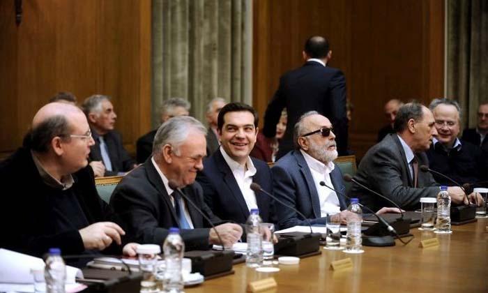 Ο πρωθυπουργός Τσίπρας βάφτισε το κρέας ψάρι για να το παίξει αναμάρτητος