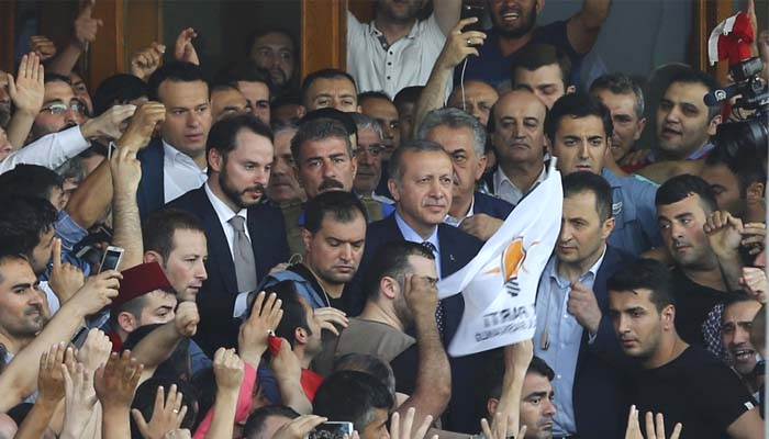 Τουρκία: Νικητής, για την ώρα, ο Ερντογάν