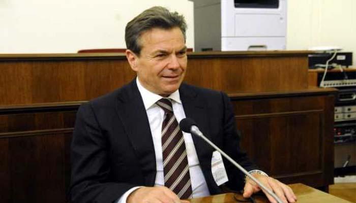 Γκρίνια από βουλευτές του ΣΥΡΙΖΑ για την περικοπή του ΕΚΑΣ