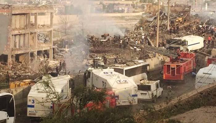 Ισχυρή έκρηξη με 11 νεκρούς σε νέα επίθεση σε αστυνομικό κτήριο στην Τουρκία