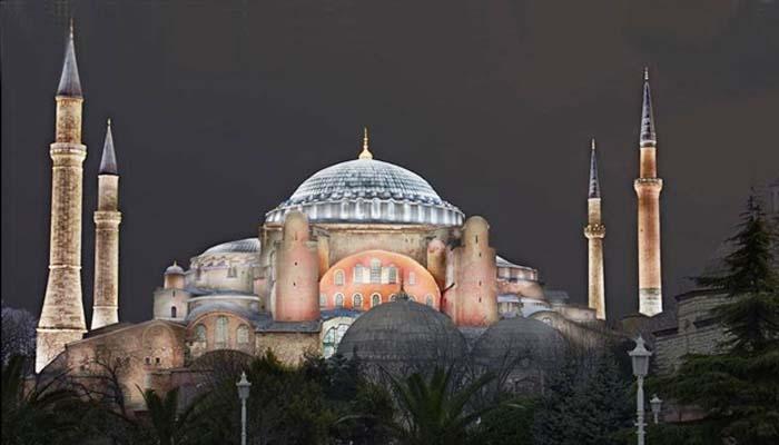 Συνεχίζουν τις προκλήσεις οι Τούρκοι: Διόρισαν ιμάμη στην Αγία Σοφία