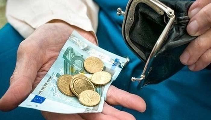 Συντάξεις «ψίχουλα» 655 ευρώ για τους νέους συνταξιούχους με το νόμο Κατρούγκαλου