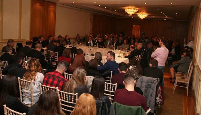 Με μεγάλη μαζικότητα έγινε η εκδήλωση που διοργάνωσαν η ΑΚΤΙΔΑ και η Ε.Δ.Ε.Μ. για την ενότητα της κεντροαριστεράς (Φωτο-video)