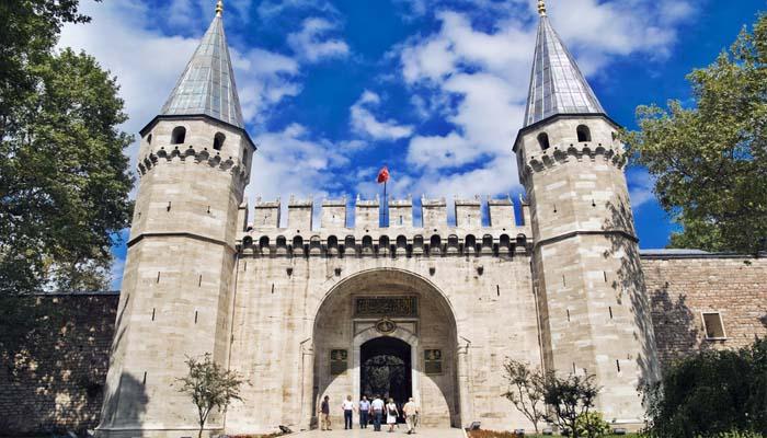 Τουρκία: Σταδιακά και με προσοχή η ανακαίνιση του Τοπ Καπί