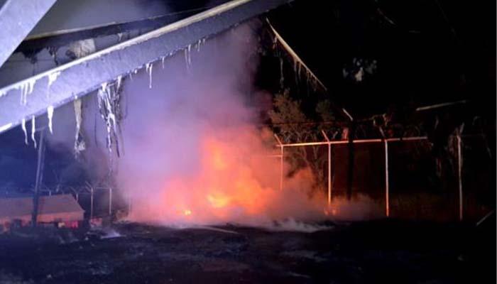 Βίαια επεισόδια και πυρκαγιά στον καταυλισμό της Σούδας στη Χίο την περασμένηνύχτα