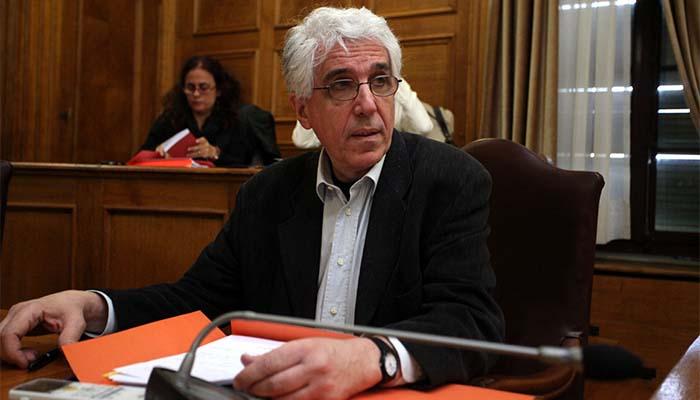 Νίκος Παρασκευόπουλος: Και με τη Χρυσή Αυγή… αν συμμορφωθεί! - Να αποποινικοποιηθεί το κάψιμο της σημαίας