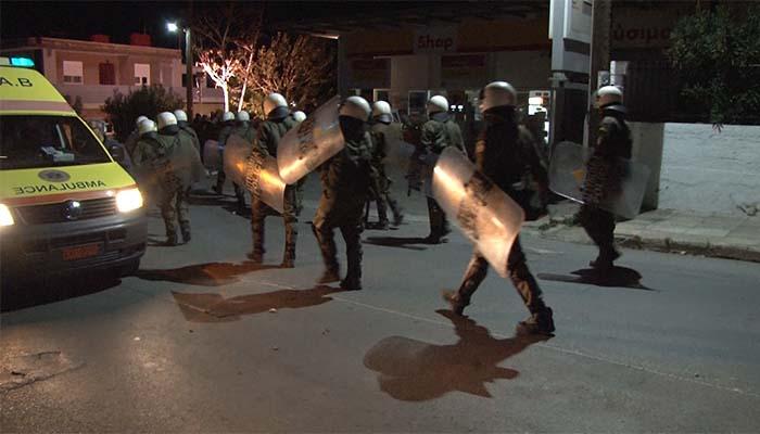 Επεισόδια και πυροβολισμοί στον αέρα στο Hot spot της Σούδας της Χίου