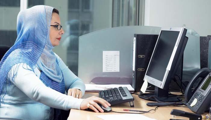 Ευρωπαϊκό Δικαστήριο: Ο εργοδότης μπορεί να απαγορεύσει τη μαντίλα
