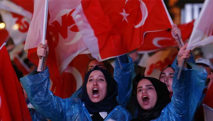 Παρανομίες στο δημοψήφισμα καταγγέλλουν οι Δικηγορικοί Σύλλογοι της Τουρκίας