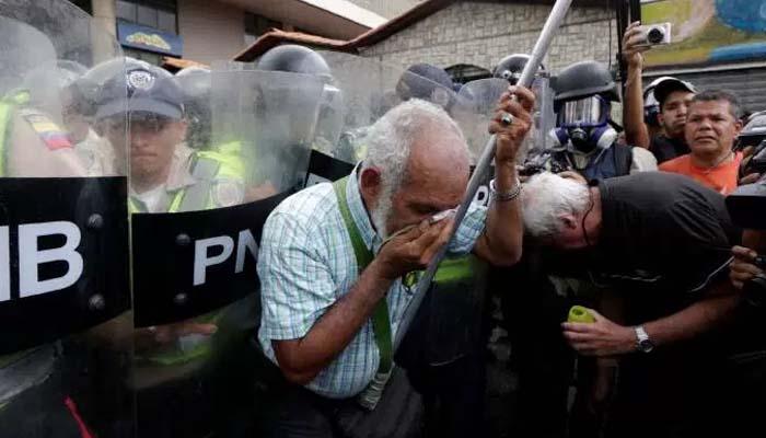 Επεισόδια σε διαδήλωση συνταξιούχων στο Καράκας κατά του προέδρου Μαδούρο