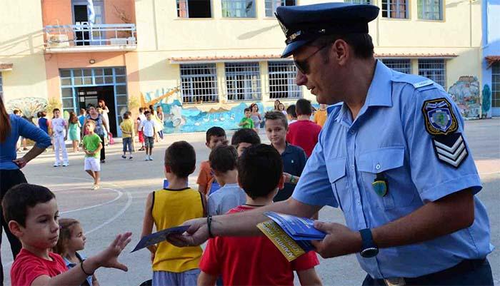 Αστυνομία: Ο σχεδιασμός για την προστασία μαθητών και σχολικών συγκροτημάτων από τη νέα σχολική περίοδο
