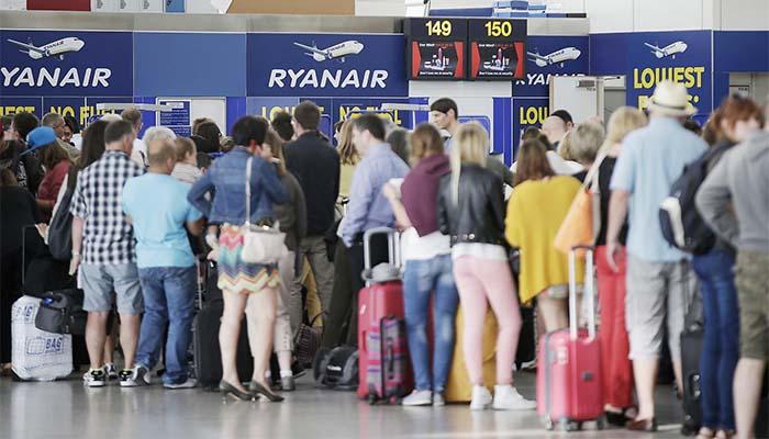 Μία χειραποσκευή από 1ης Νοεμβρίου στις πτήσεις της ιρλανδικής Ryanair