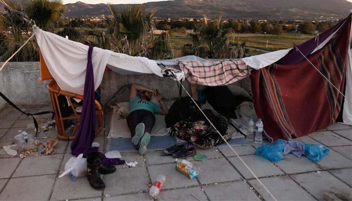 Handelsblatt: Καταστροφικές συνθήκες για τους πρόσφυγες στην Ελλάδα