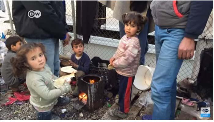 Wall Street Journal: Η Μόρια των προσφύγων είναι η σημερινή Βηθλεέμ