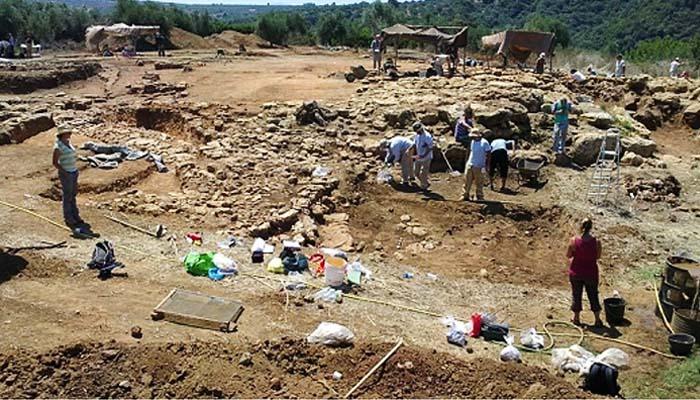 Απρόσμενα ευρήματα για τη δομή των μυκηναϊκών κρατώνστις ανασκαφές στην Ίκλαινα της Μεσσηνίας