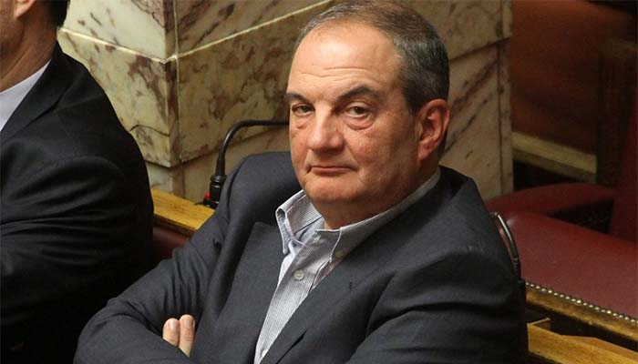 Γιώργος Παπαχρήστος για Καραμανλή: 8 χρόνια υποδύεται τον αμίλητο ηγεμόνα της Δεξιάς...!