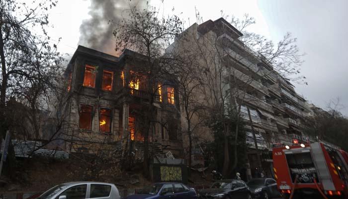 Γιάννης Μπουτάρης: Το κτίριο της κατάληψης Libertatia το έκαψαν δύο ομάδες αντιφρονούντων ΠAOKτσήδων