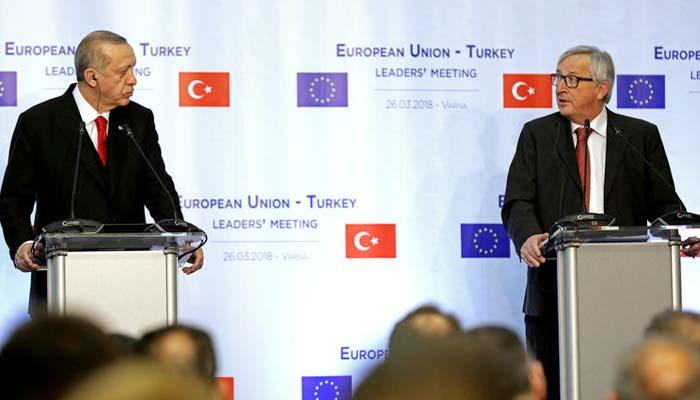 Ζαν-Κλοντ Γιούνκερ: Η Τουρκία να επανεξετάσει την κράτηση των Ελλήνων