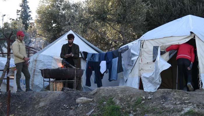Welt: Αυξάνεται ο αριθμός των προσφύγων, η Αθήνα «τορπιλίζει» τη συμφωνία