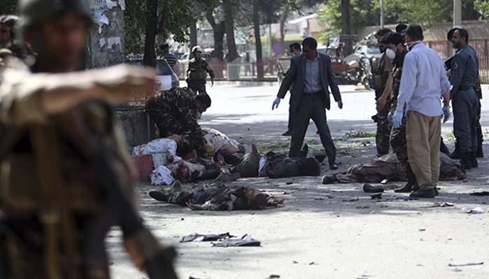 Μαύρη μέρα για τη δημοσιογραφία: Δέκα νεκροί δημοσιογράφοι στο Αφγανιστάν