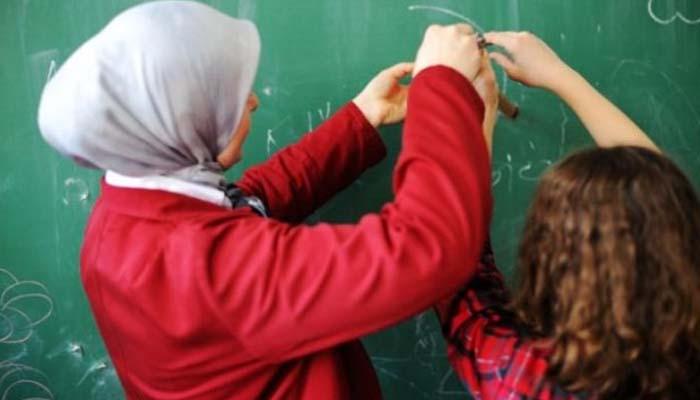Απόφαση - σταθμός στη Γερμανία: Δικαστήριο απαγόρευσε σε δασκάλα να φορά την ισλαμική μαντίλα όταν διδάσκει
