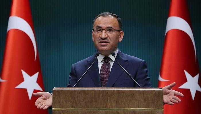 Άγκυρα: Απειλεί ότι θα βρει τους «οκτώ» και θα τους φέρει στην Τουρκία