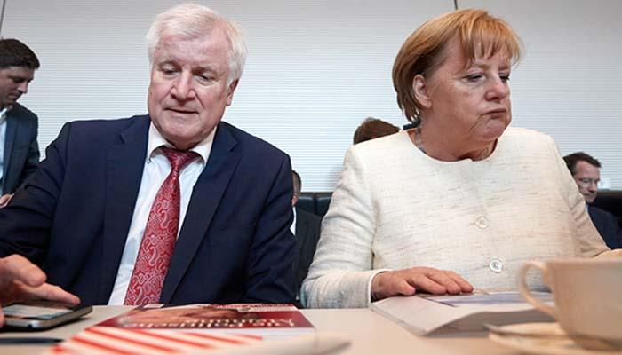Στα χέρια του CSU το πολιτικό μέλλον της Μέρκελ λόγω της συμφωνίας για τους πρόσφυγες