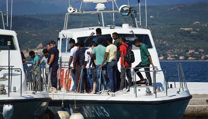 Στην Πύλο μεταφέρθηκαν 65 πρόσφυγες από σκάφη του Λιμενικού