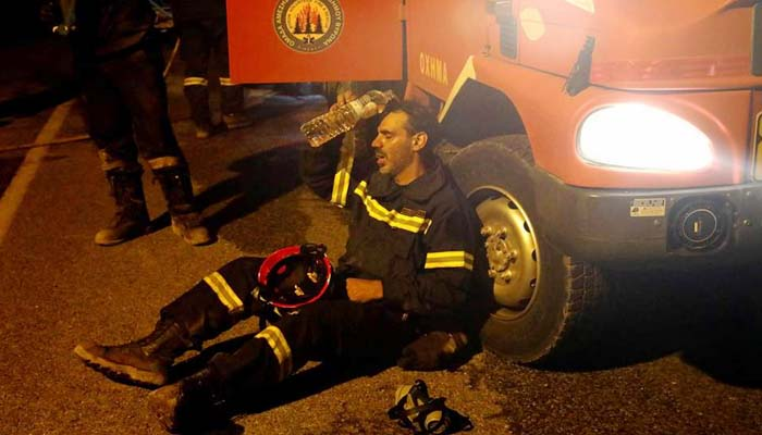 Μάτι: ΕΔΕ σε 10 πυροσβέστες για αναρτήσεις sto fecebook που αφορούν στον Π. Καμμένο