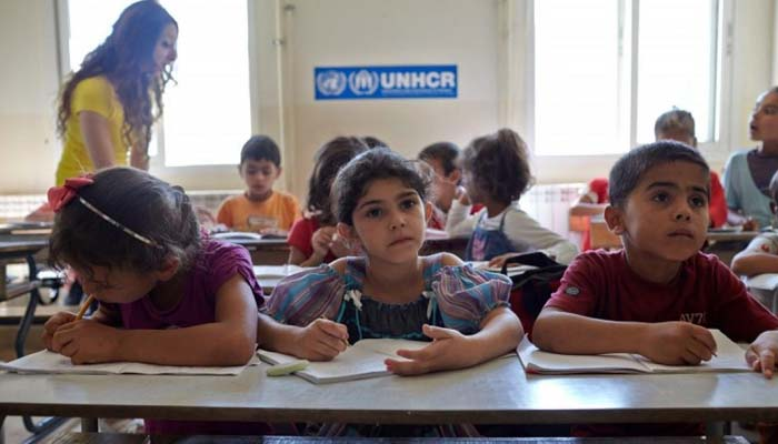 Ρατσισμό και ξενοφοβία «διδάσκουν» οι καθηγητές της Λέσβου – Δημοκρατικό ήθος και ανθρωπιά οι δάσκαλοι στη Χίο