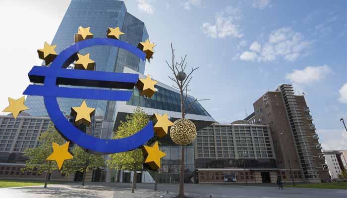 Reuters: Η Ελλάδα κινδυνεύει να χάσει την πρώτη δόση από την επιστροφή των κερδών της ΕΚΤ