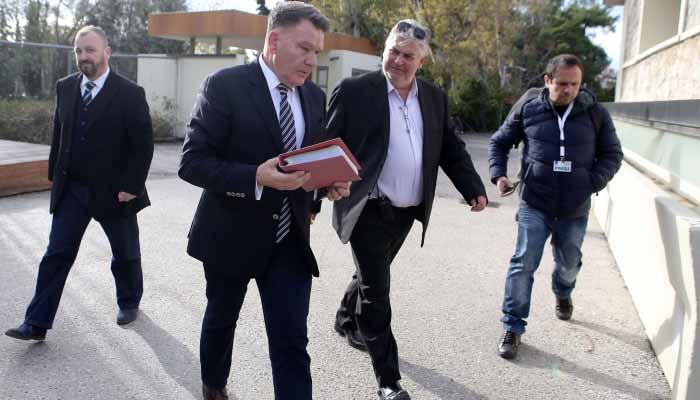 Αλέξης Κούγιας: Παραδίδω τα δελτία των παικτών στην ΕΠΟ και τις μετοχές της ΑΕΛ στο Δήμο Λάρισας