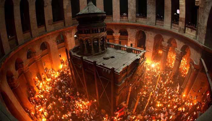 Άγιο Φως: Αλαλούμ στην μεταφορά του από τα Ιεροσόλυμα και έντονο παρασκήνιο [βίντεο]