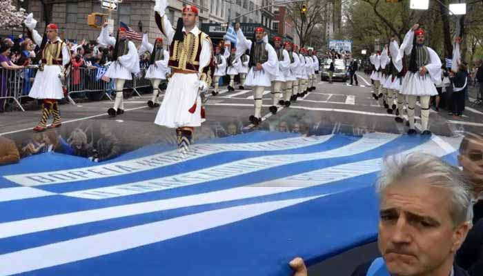 Mε τη σημαία του Κατσίφα η παρέλαση της ομογένειας στη Νέα Υόρκη