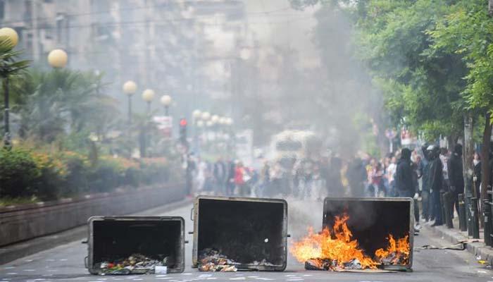 Φωτιές σε κάδους και οδοφράγματα σε ΑΣΟΕΕ Γεωπονική, Πάντειο & Πανεπιστημιούπολη