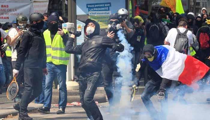 Χάος στο Παρίσι -Συγκρούσεις ανήμερα την Πρωτομαγιά