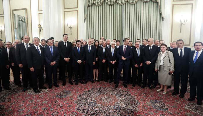 Ορκίστηκε η νέα κυβέρνηση Μητσοτάκη – Τα πρώτα νομοσχέδια