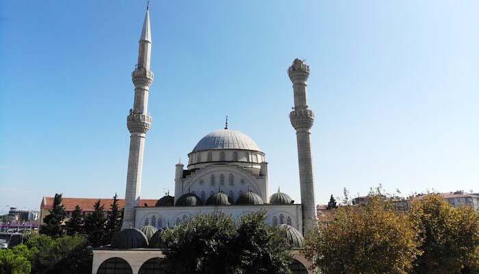 Ισχυρός σεισμός στην Κωνσταντινούπολη - Κατέρρευσε μιναρές [βίντεο]