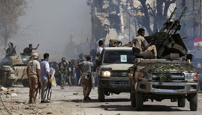 Λιβύη: Ο στρατός του Χαφτάρ προελαύνει – Ήδη κατέλαβε το λιμάνι της Σύρτης