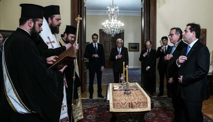 Ο Μητσοτάκης συστήνει υπουργείο Μετανάστευσης και Ασύλου με υπουργό τον Νότη Μηταράκη